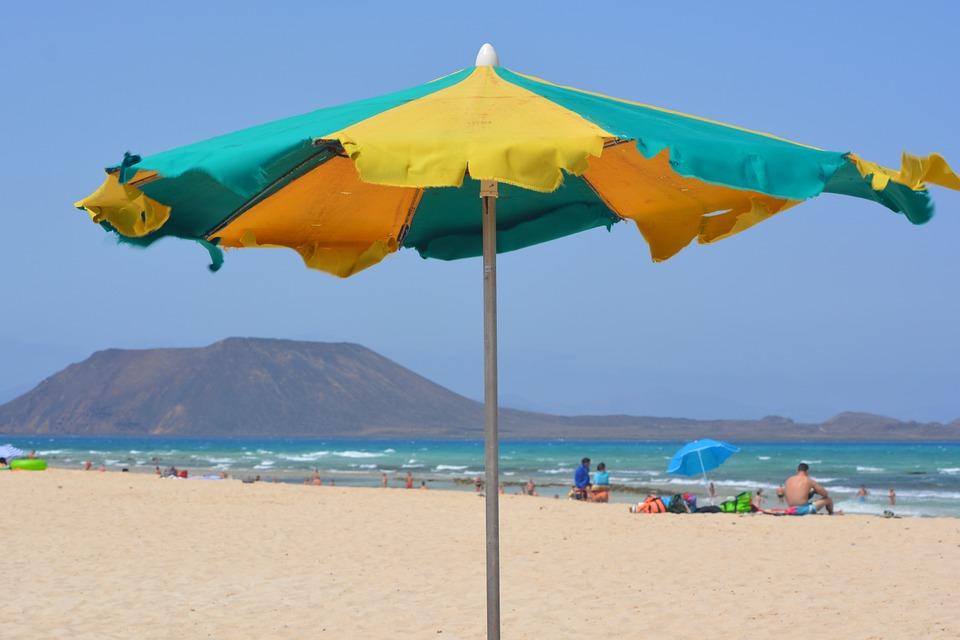 Véhiculez votre image avec les parasols publicitaires