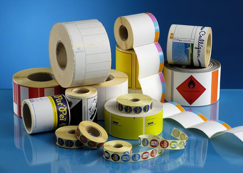 Comment utiliser les étiquettes adhésives personnalisées comme outils marketing?